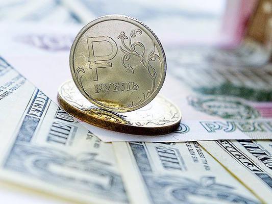 Пик сезона дивидендов на российском рынке и укрепления рубля тянут индексы вниз