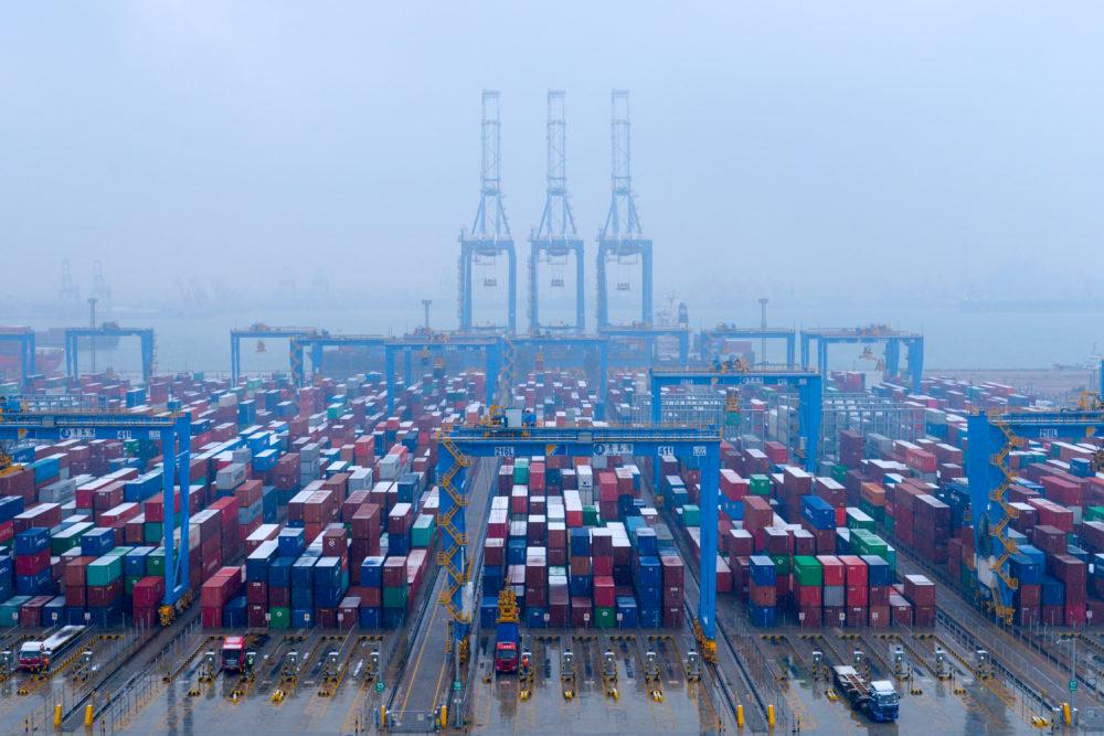 Ответные торговые пошлины Китая испугали рынки, нивелировав достижения индексов за неделю