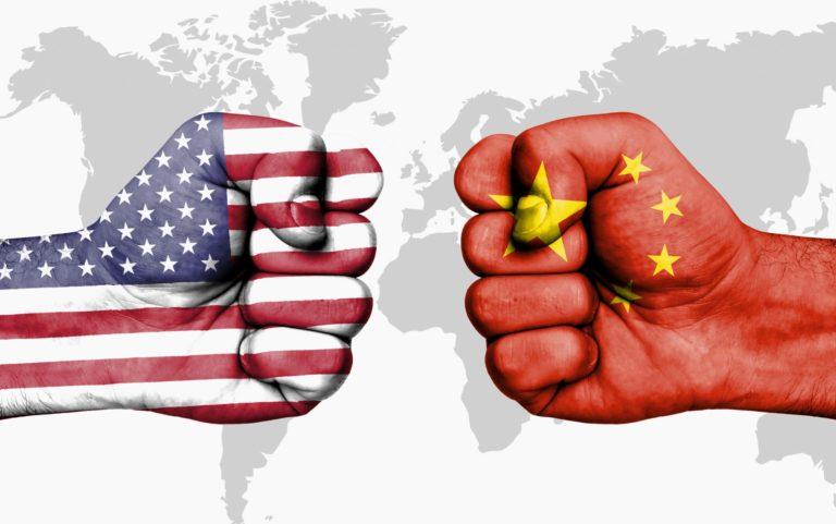 Эскалация торговой напряженности продолжила давить на рынки