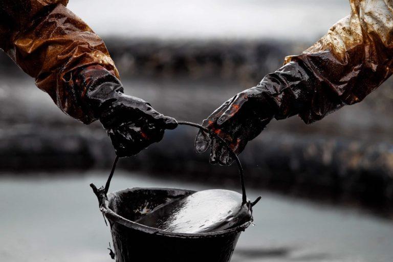 Нефть оказалась никому не нужна